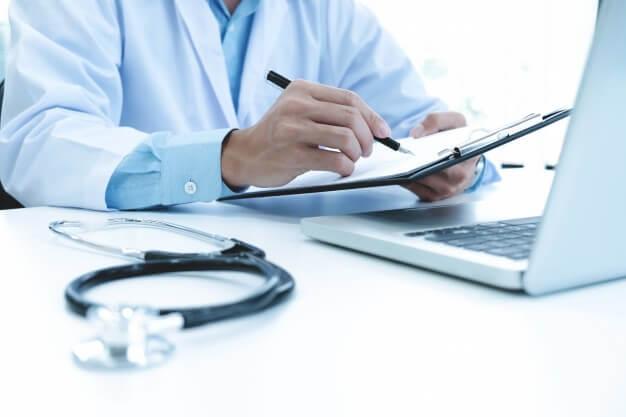 Arztpraxis Businessplan-Selbstständigkeit Doktor-BrainHive-1